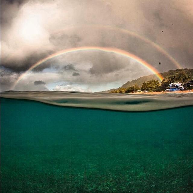 Desde el agua cambia la perspectiva del mundo #NorthShore #Hawaii #VolcomHouse #Rainbow