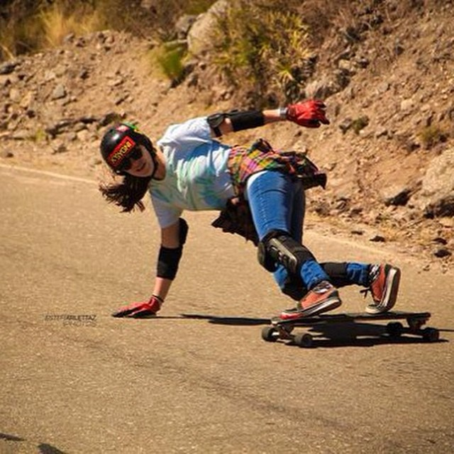 #LGC Argentina rider Cami Pucheta taking a right corner. Estefi Arlettaz photo. Have a great day family!  #longboardgirlscrew #girlswhoshred #camilapucheta #argentina