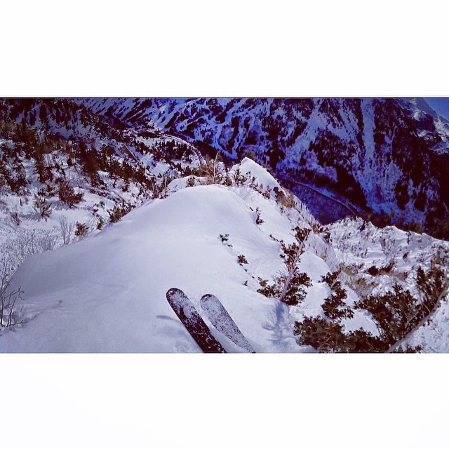 Trew athlete @mattphilippi sending something outa the ordinary from little cottonwood canyon. A canyon known for its classics, this is not one. Anybody know what he's on here?