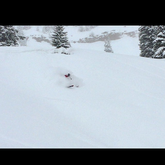 Throwback to a few weeks ago taking a full on trip to the Whiteroom in East Vail! #tbt #eastvail #powturns