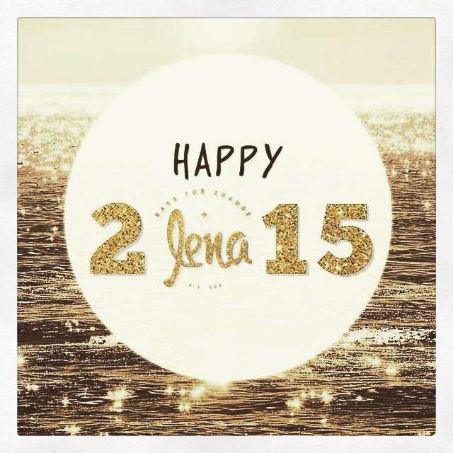 En LENA les deseamos un año increíble, lleno de amor y felicidad. Buenas vibras a todos!!✨✨