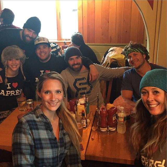#strattitude #grizzlys #justsendit #iloveapres #stratton @lindseyjacobellis @kateemcneil @zayjmad191 @ryehoff @hollymkey @perkswerks @kelsjohnso @ward.ko @bennyjack17 #sendit #skiing #snowboarding #cbsports #goodfriendsgoodtimes #vermont #802...