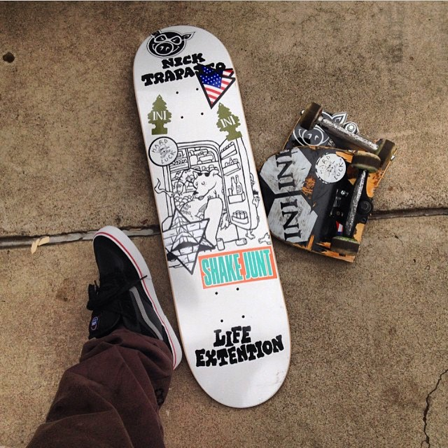 Out with the old and in with the new... Courtesy of @leskateboards . Anyone skating on Sunday? New setup from @nick_trapasso || #Regram @shakejunt