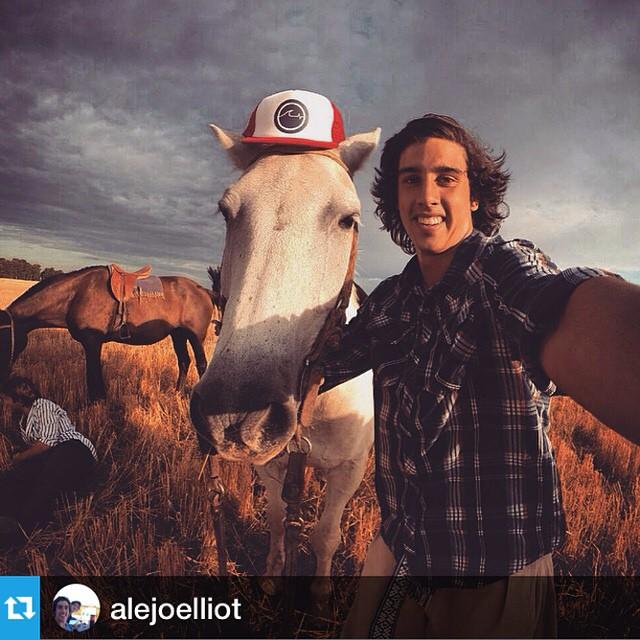 @alejoelliot ya tiene su @underwavebrand !! Mándanos una foto con la tuya!!