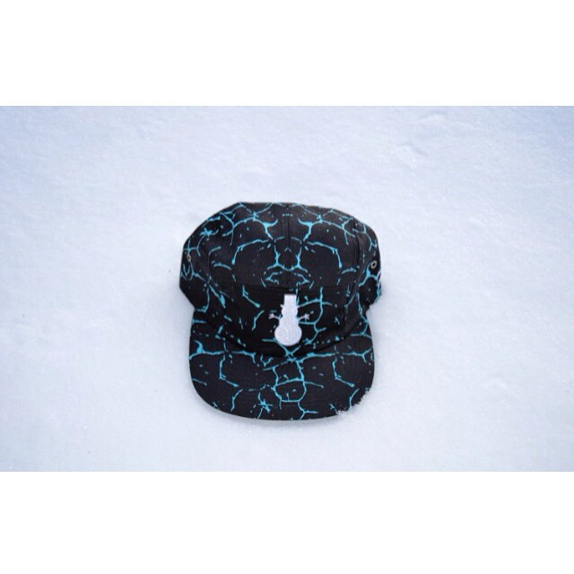 #5panel on sale through www.frostyheadwear.com (link in bio) #FrostyHeadwear #Snow #Snowman