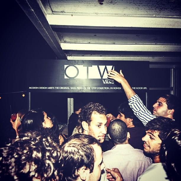 Barra agitada en el lanzamiento #otw en Rosario #after en Boris con Campari y Grolsch. Foto @mechifahs