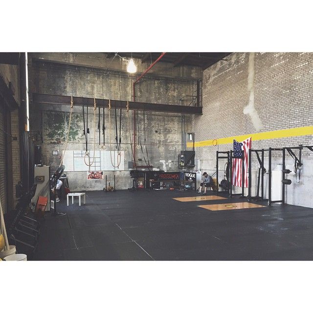 Time to get our #crossfit on. Today's shoot location: @brooklyncfsw #lacesoutHICKIESin