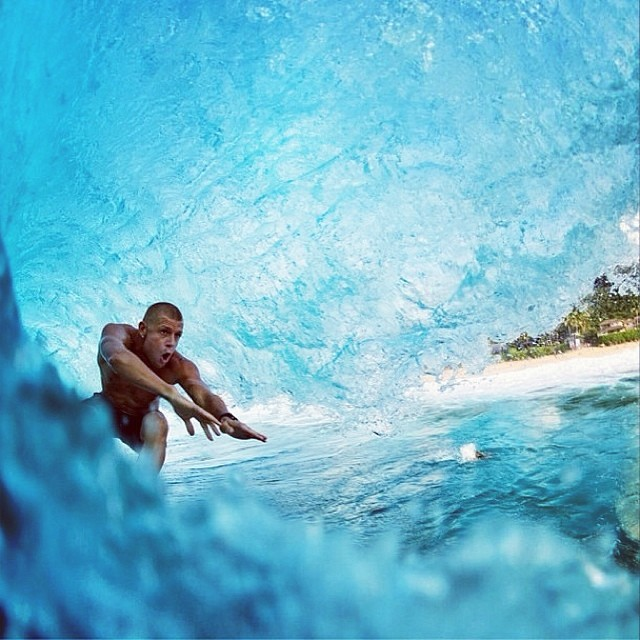 @mfanno tratando de ir realmente rápido ph: @corey_wilson  #waves #surfing #surf #justpassingthrough
