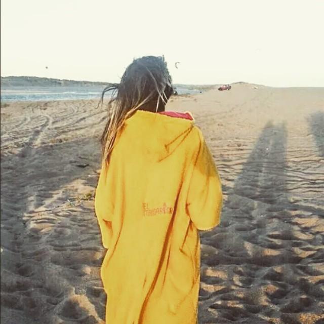 Desde Punta del Este....Luls con su mandarina en la laguna kitera!