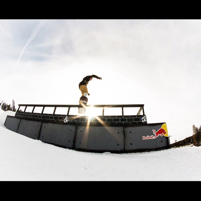 We want to congratulate @calidoerfler for her 2nd place in the @borealmtn #hotdogsandhandrails contest last week!
