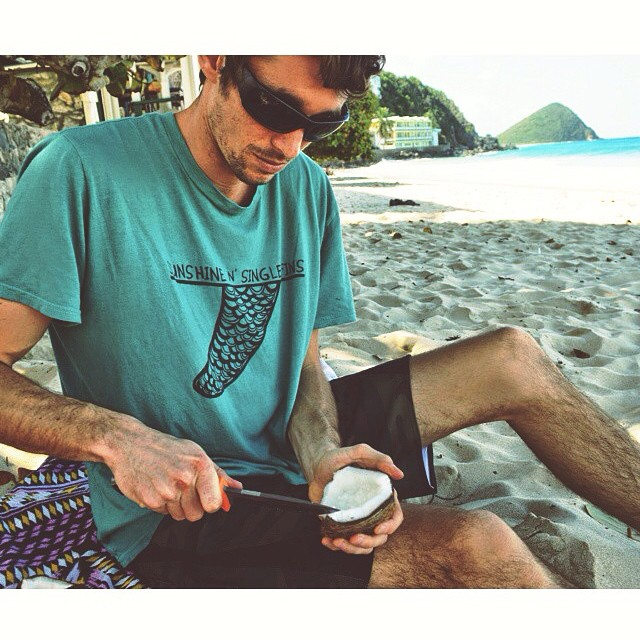 Escaping the cold winter vibes down in Tortola with our men's Sunshine N' Single Fins tee