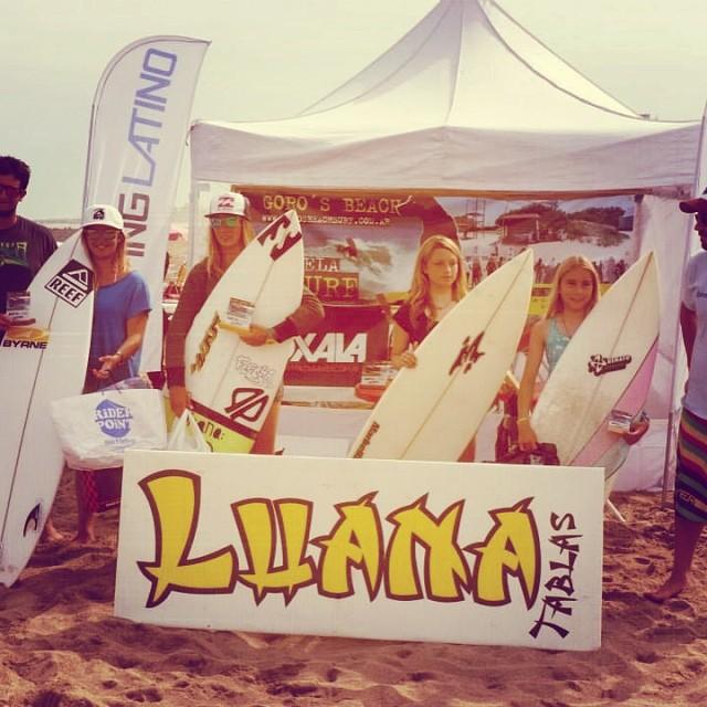 Felicitamos a nuestra raider @jose_ané, ganadora en la categoría damas del Goros's beach Pro de Miramar. #waves #soul #surfing #reefargentina