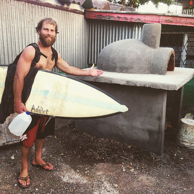 El Transito is a poor village on the coast of Nicaragua. Pro Snowboarder and all around Good Human @andy_finch is part of a group helping to build community centers in El Transito. Check out the pizza oven they made! #goodhumancrew #soleswithsoul...