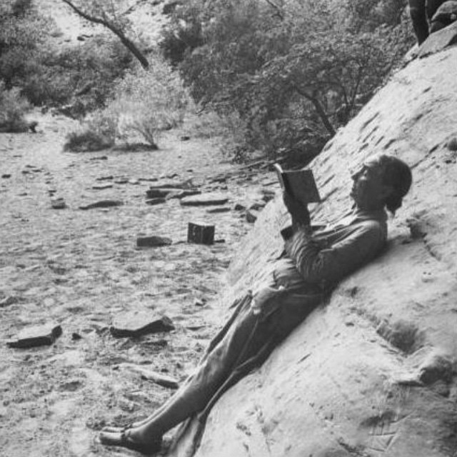 Georgia O'Keefe casually hanging out on a boulder sketching (1961) #doitoutdoors #create #allswell