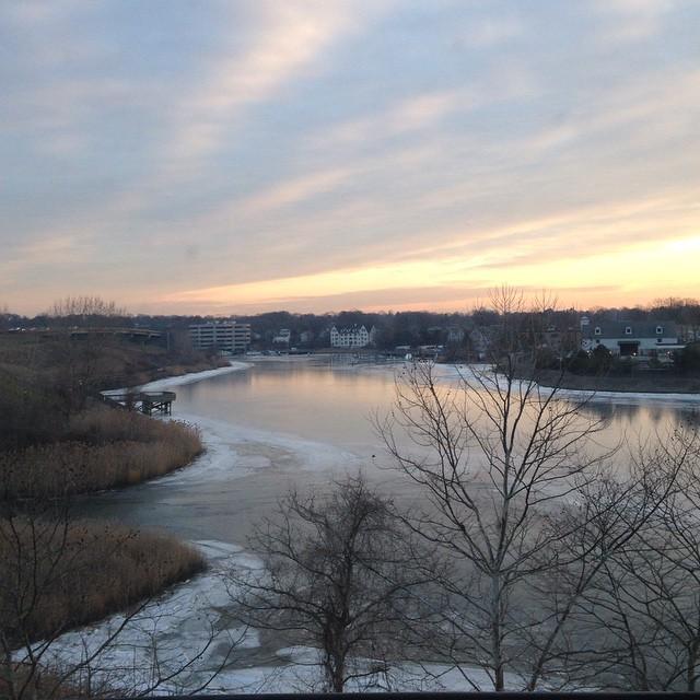 Frozen view from #fulsend office #norwalkriver #sonomafia #justsendit #tgif #vermontbound #sunrise #sendit