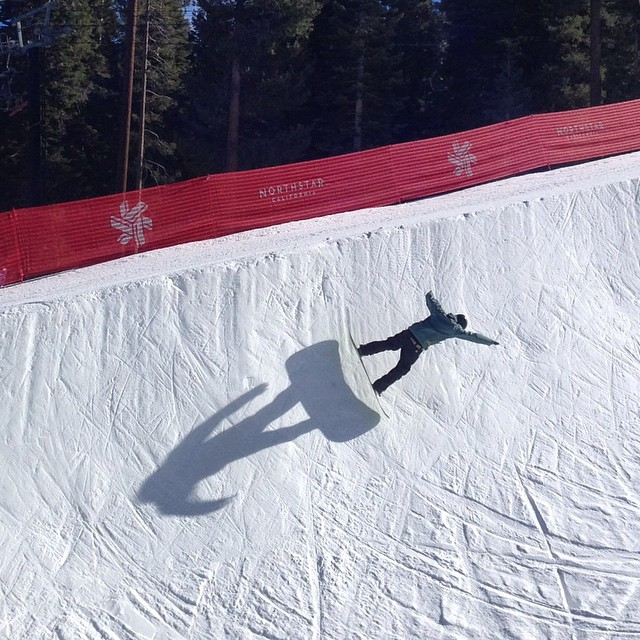 #gobig #shadow #snowboard Going big is not all about the amplitude. Sometimes it is just who can throw the biggest shadow ;-) #halfpipe #northstar
