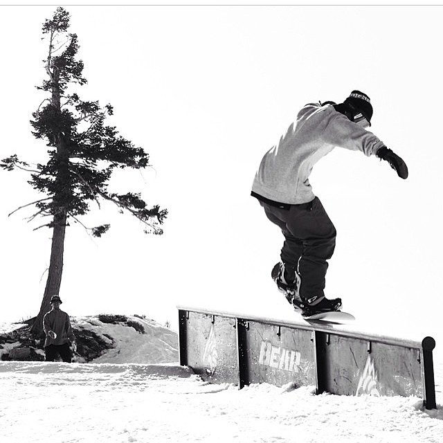 @leonard_mazzotti is getting pressed @bear_mountain!! @fluxbindings #regram #goodpeople #greatsnowboards #gethammed