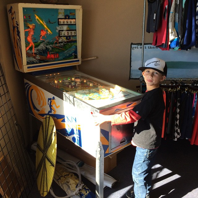 Next time your at Surf Country in Goleta bring some quarters for the vintage surf pinball machine. Benjamin was stoked. Thanks Doug. #surfcountry #dougyartz #vintage #surf #pinball #benjamin