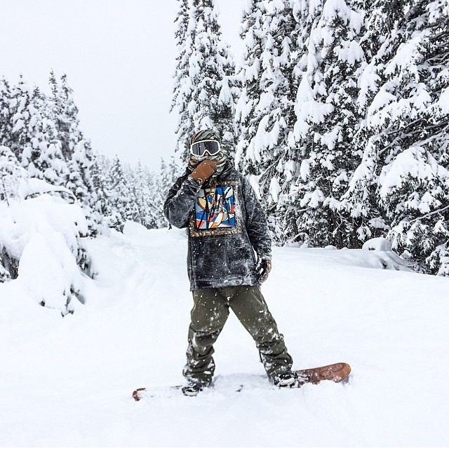 It may not be snowing much in the us right now but it is in Switzerland and Tyler Lynch @sababa_life and the @gbpgremlinz crew are in Laax for it. #gbpeurotrip ❄️