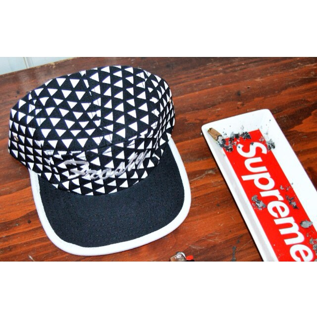#KeepItFrosty #FrostyHeadwear #5Panel #Supreme