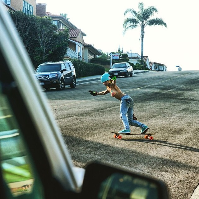 @alex_kubiak_ho_chi shot by @laurent_perigault while traveling in #California. Have fun you two!  #longboardgirlscrew #girlswhoshred #alexkubiakhochi