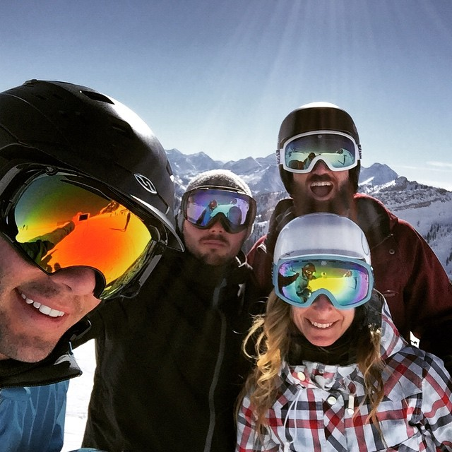 Great day at the bird off to après @jvlofaro @mcelberts #AndrewKlineDoesntHaveInstagram @snowbird @boskyoptics #snowboarding #snowbird #snow #powder11 #Utah #happyplace