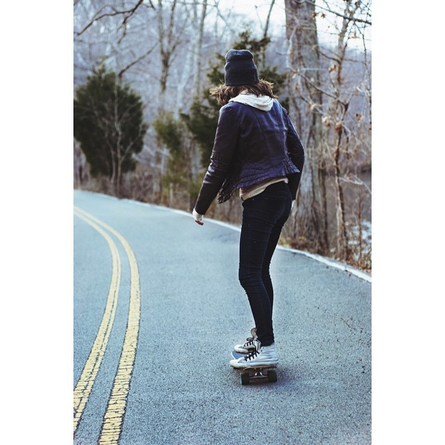 It's a nice day Nashville. Get out there. Photo cred: @michaelthinks #skate #skateboard #cruiser #cruiserboard #handmadeskateboard #nashville #skatetheedges #salemtownboardco