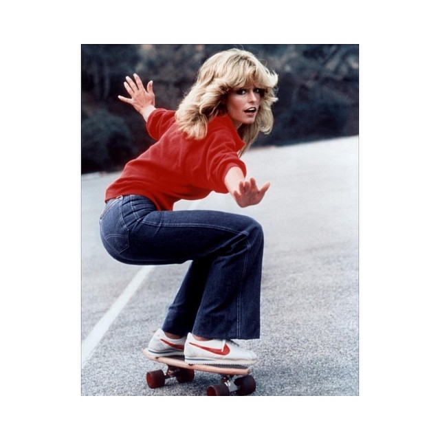 Farrah knows about those oak cruisers. #cruiser #cruiserboard