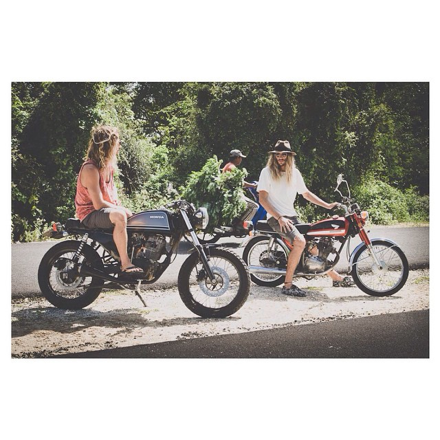 Motorbike Monday - Hope you're weekend was a classic like a 1972 vintage Honda #motorbikemonday #vintage #Honda #WeSaluteYouMLK #thisisBali  Critta in the Double 6 Rastas and @andysixstring in the Black Palm Prahus #double6sandals #prahuboatshoe...