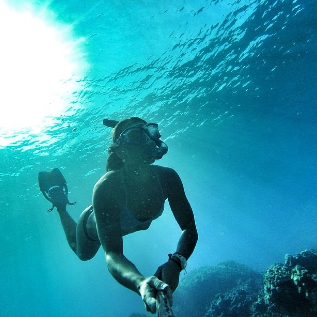 """I must be a mermaid. For I have no fear of depths and a great fear of shallow living."" -Anäis Nin @sehsa getting another great shot #underthesea in Maui!"