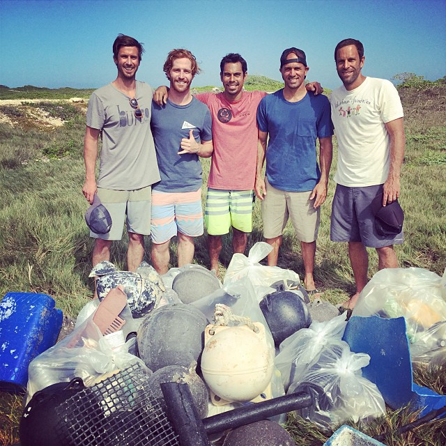 Memorable MLK clean-up day at #Kahuku beach with @jackjohnson  @kellyslater @sustainablecoastlineshawaii . Mahalo to @kokuahawaiifoundation and @sustainablecoastlineshawaii for organizing an awesome day, and thanks to all the 200+ volunteers who came...