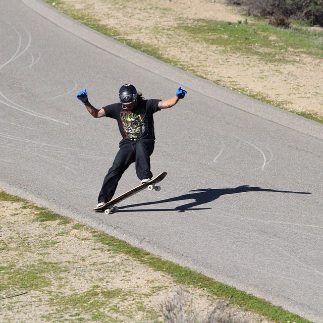 Our homie @phranklynq busting out a nice blunt slide. Photo: Brian Meyer #FR7 #Hybrid #blunt #slide #deadflowerz