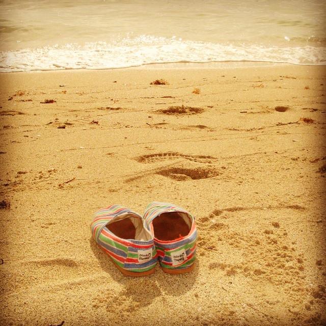 Ideales para esas largas caminatas por la playa.... #blackmonkeystore #alpargatas #summertime #verano #playa #vacaciones #relax #blackmonkey #style #cdelu #carilo #pde #pinamar #quito #guayaquil