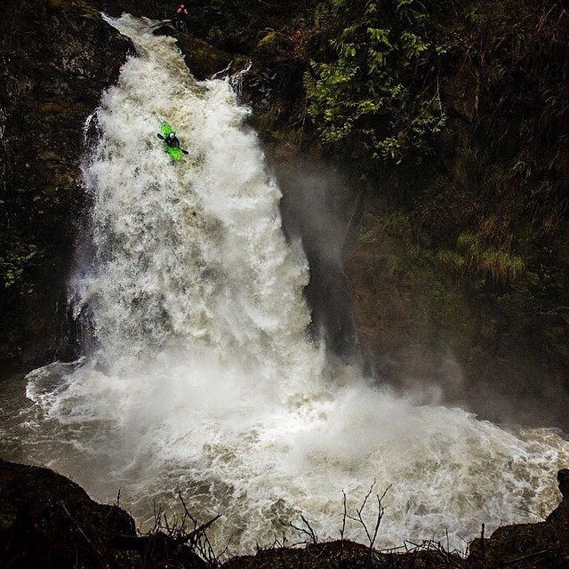 Drop cliffs not bombs // Crew member @gnarquist getting after it! #disidual #brokeandstoked #breathefreshair #distinctindividuals #kayak #whitewater #whitewaterkayak