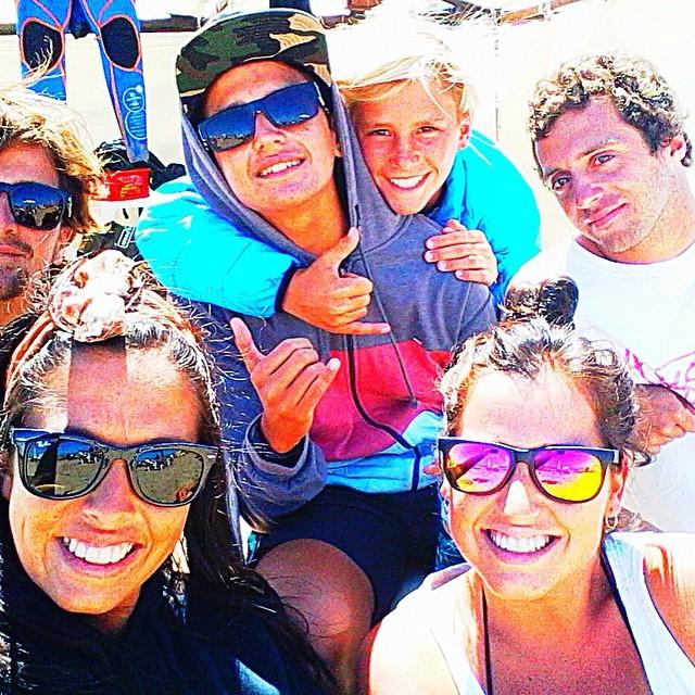 Los riders y hermanos Arrayanes, en la zona de Warm Up, antes de entrar en competencia. #ReefPeople