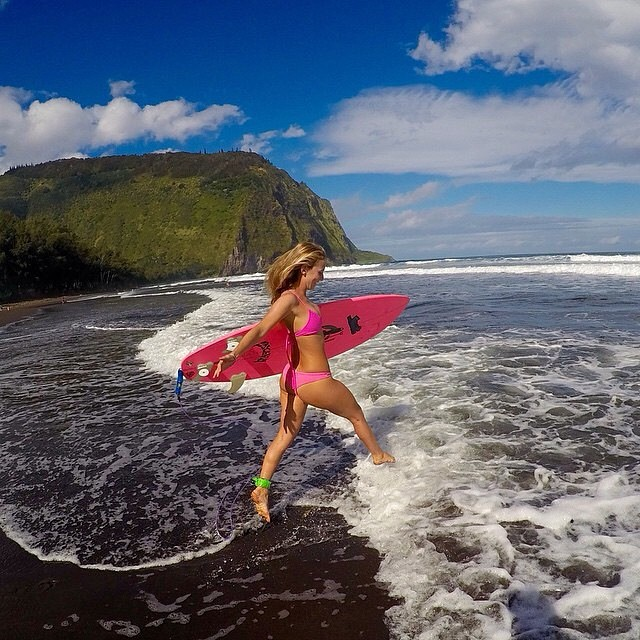 The @alisonsadventures #boho #surf and boho #short! #explore the #waipio #valley with #fun and #sarahleephoto @hisarahlee shop.odinasurf.com/p/alisons-adventures-boho-short