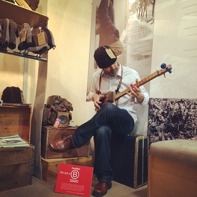 Closing out the day with a riff on the slide guitar at @OutdoorRetailer with the guys at  @DohmUSA - handmade in CO. Another melodic way to #BtheChange from a #BCorp.