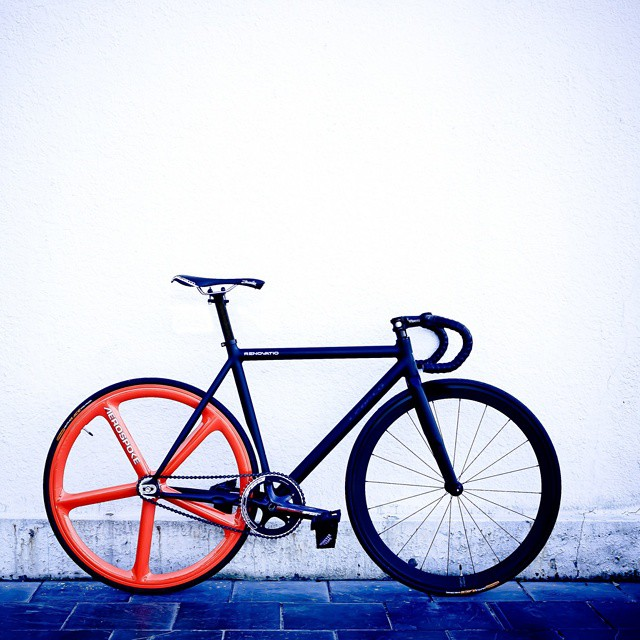 #awesome #fixedgear #singlespeed #morningfix #red #black #fixie #bikelife #beauty #boombotix