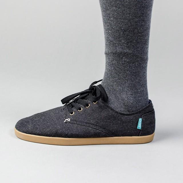 Frío?? ❄⛄ Llévate tus boots y sneakers con descuento en #Paezstore de Málaga,  Zaragoza y Tenerife. #Paezshoes #Winter #collection