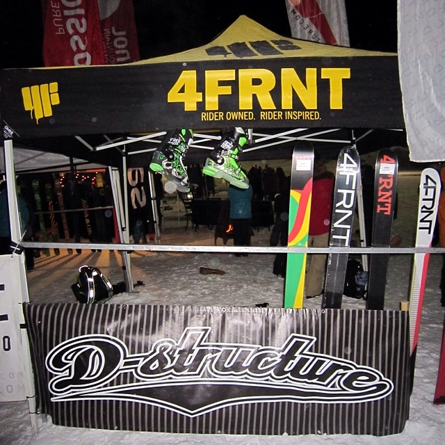 Good times to be had at the @dstructureshop rail jam in Stoneham with @4frnt_skis. Freesoul 10's and 6's hanging out!