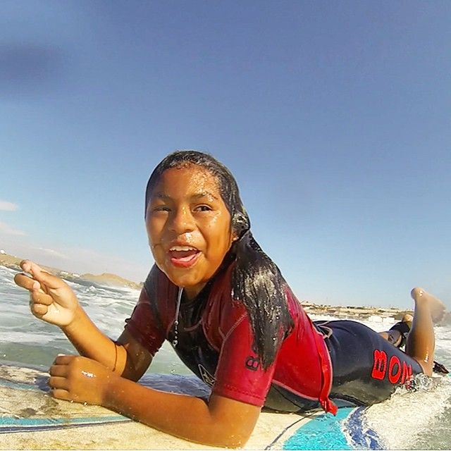 This is a happy face... /// @billabongwomens @gopro @lobitos_cinema_project @waves4dev #wandermuch #lcp #womeninthewater #sports4dev #surfingperu #surfingforempowerment #lobitos #gopro
