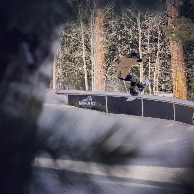 @teej_miele took some laps through the @lvskisnowboard park on his new #accomplice and sent us some killer shots. Photo: @ag_photographix #snowboarding #parklaps #thrivesnowboards