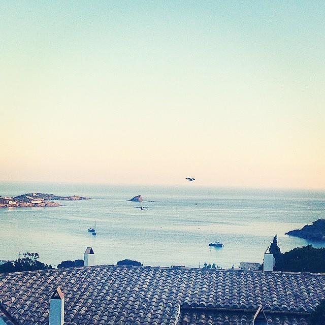 Off season. Buenos días  #Cadaques #Barcelona #beach #Paez
