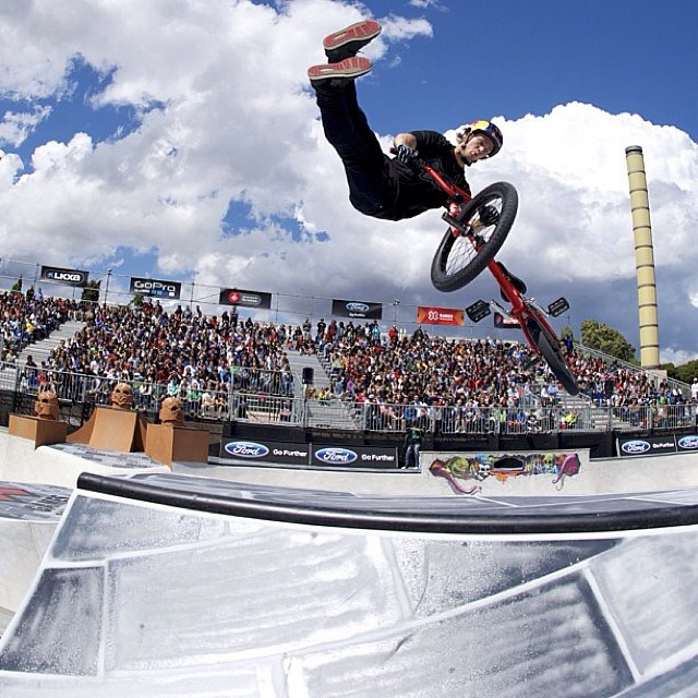 Throwing it back to @drewbezanson in Barcelona! #xgames #tbt (Photo @blackcollarworker )