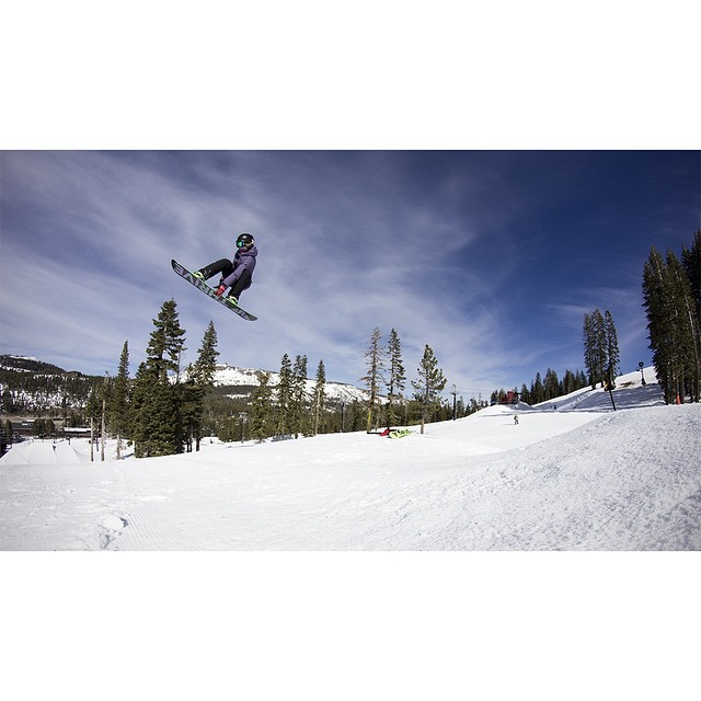 Last week we met up with @irelevantmedia at @borealmtn to get a few shots on their jumpline. @mayohmy and her #prestige were stomping those frontside 3s all day long. Photo: @evolutionofstan #tahoe #snowboarding #spintowin #thrivesnowboards