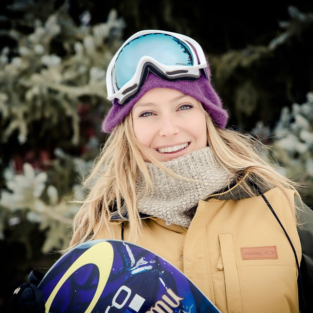 Hey friends, it's Jamie Anderson here & I'm taking over the handle for a few hours! Hollerrrrr at me! #jamietakeover #xgames @oakleysnowboarding #tahoetribe