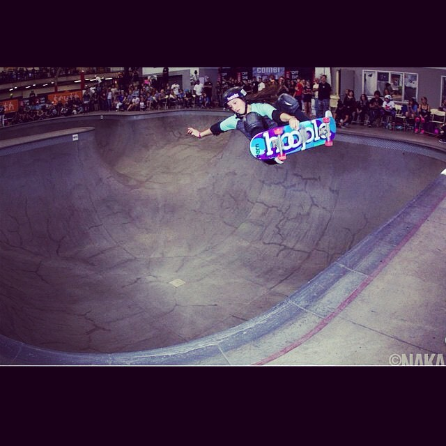 @nicolehause bombs away into the corner at the #combiclassic. Photo by @sk8session . #skatergirl #skate #skateboarding