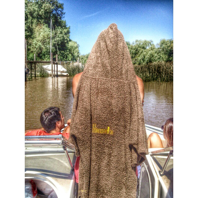 River mode con #elmandarinasurf #summer #wake #wakesurf #change #free #style #river #mode #water #lake #speedboat #boat #friends #cool #cold #holidays