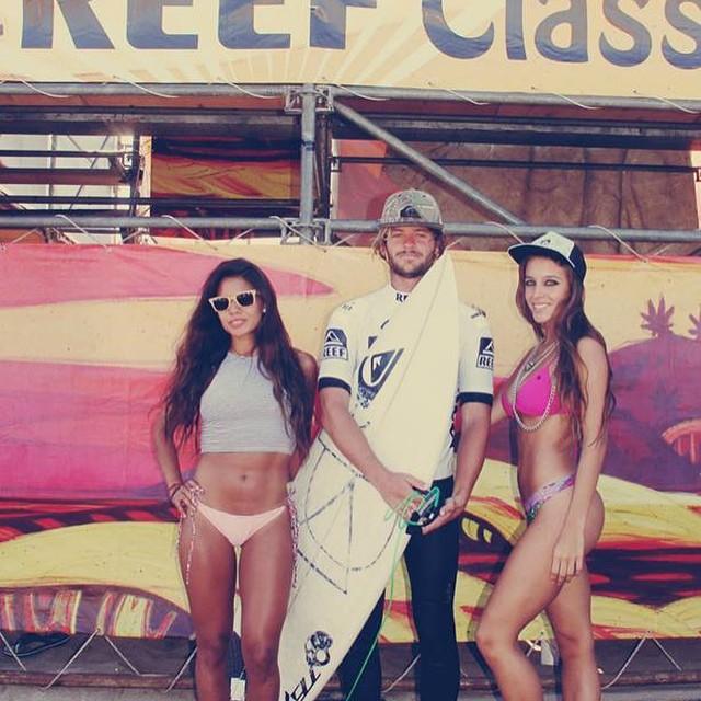 HOY, Domingo 25 de enero, a partir de las 15hs GRAN CIERRE del #CoronaReefClassic2015 Los esperamos en Playa Mariano para la entrega de premios, y la elección de #MissReef.  #LifeIsShortGoSurfing #JustPassingThrough #CoronaSunsets #ReefArgentina