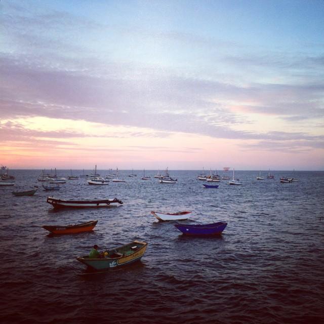 Infinity! We found you! You were where the sea meets the sky ||| the sky meets the sea... This whole while... /// @billabongwomens @lobitos_cinema_project #wandermuch #coast2coast #peru #homeiswheretheartis  #surfingperu #surfyourheartout #fishermen...